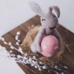 Wielkanocne dekoracje na świąteczny stół