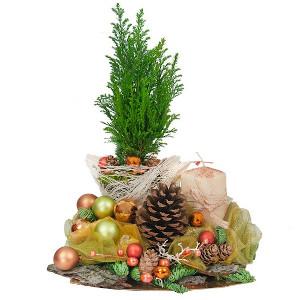 kwiatowe kompozycje ze świątecznym akcentem